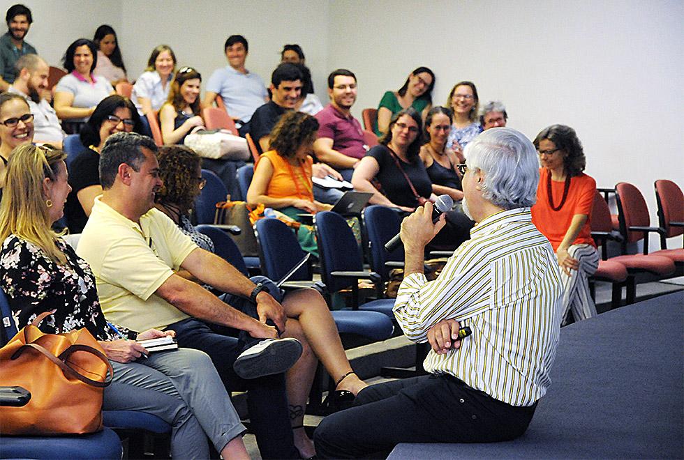 Paulo conversa com professores e coordenadores sobre a graduação