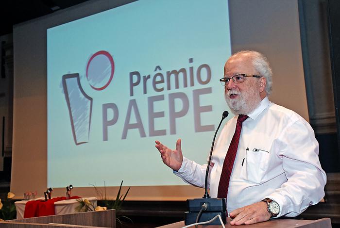 O reitor José Tadeu Jorge: capacidade e competência de produção de conhecimento