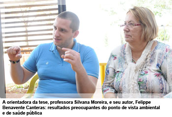 A orientadora da tese, professora Silvana Moreira, e seu autor, Felippe Benavente Canteras: resultados preocupantes do ponto de vista ambiental e de saúde pública