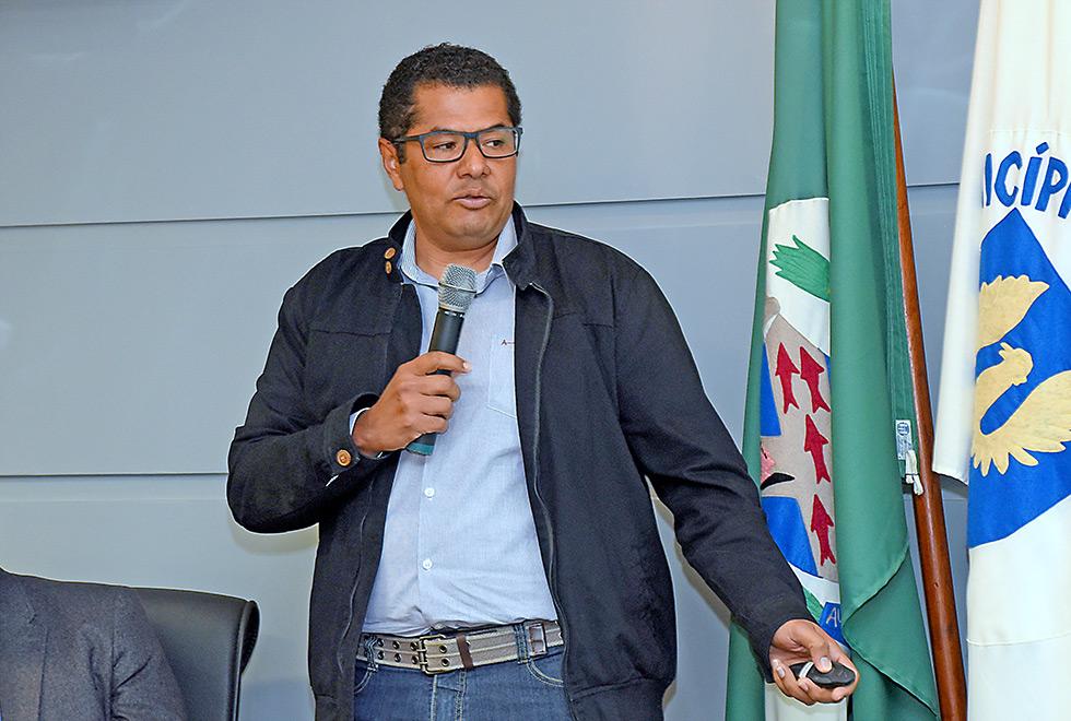 O coordenador do projeto, Luis Carlos Pereira da Silva