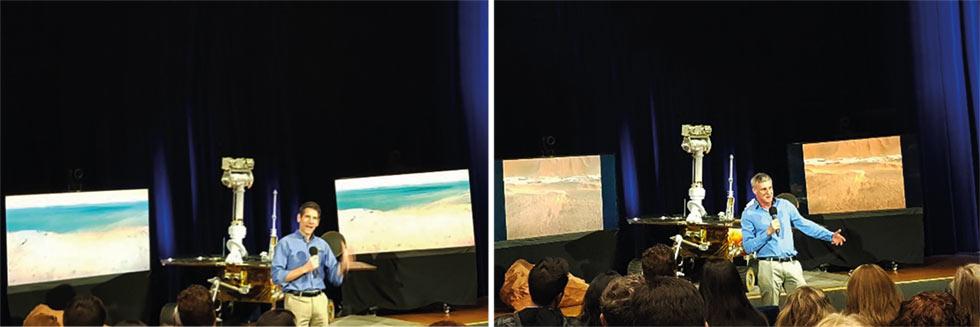 Gerente do Projeto Opportunity John Callas (esq.) e Cientista Principal da Missão Steve Squyres (dir.) falando no evento de despedida do Opportunity no Auditório von Kármán do JPL