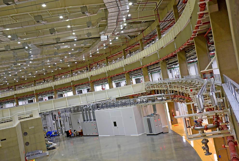 Instalações internas do Sirius, novo acelerador de elétrons brasileiro de 4ª geração