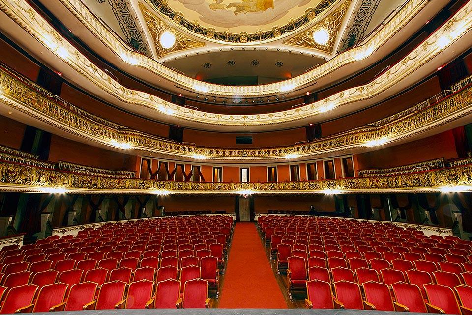 6838d1ccfb Historiador desconstrói mitos sobre Teatro Municipal de São Paulo ...