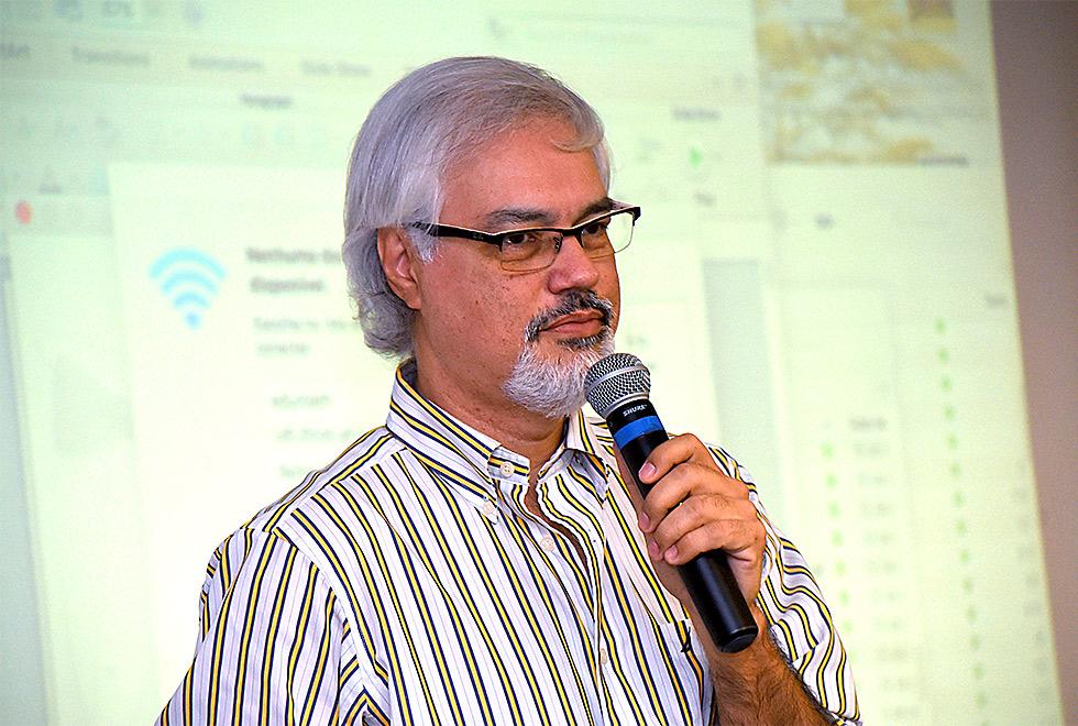 O professor Paulo Marcondes, da UFSC