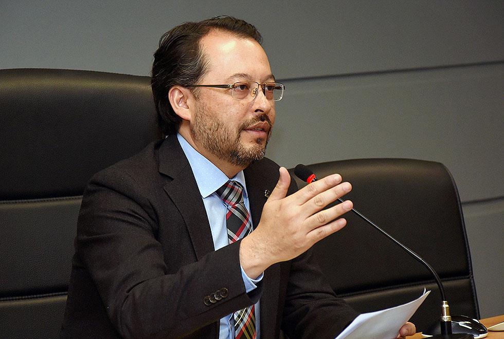 O professor Fernando Hashimoto, pró-reitor da Preac