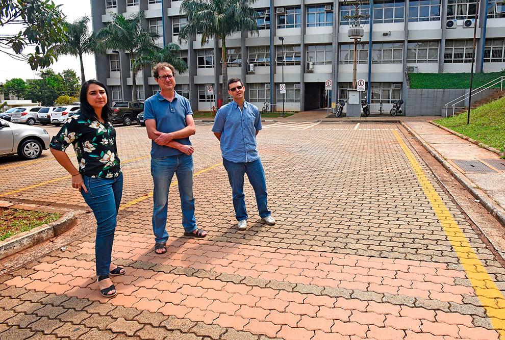 a arquiteta e urbanista Mariana Rodrigues Ribeiro dos Santos, o engenheiro químico Adriano Luiz Tonetti, ambos hoje pertencentes ao recém-criado Departamento de Infraestrutura e Ambiente, e o engenheiro civil Gustavo Henrique Siqueira, do Departamento de Estruturas.