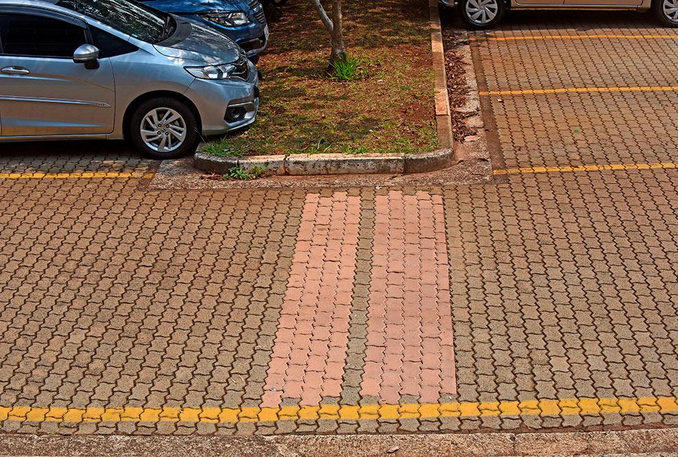 Estacionamento da Faculdade de Engenharia Civil, Arquitetura e Urbanismo