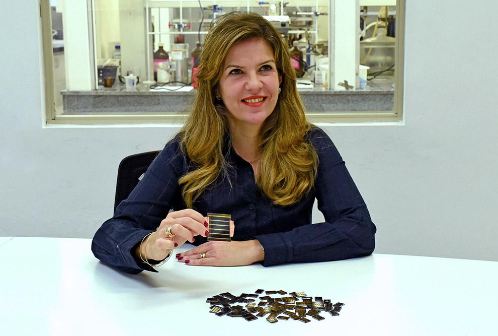 Ana Flávia Nogueira, docente do Instituto de Química e coordenadora de uma das divisões de pesquisa do Centro de Inovação em Novas Energias