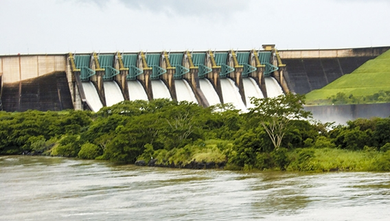 Variabilidade hidroclimatológica e seus efeitos no suprimento de energia elétrica do Sistema Interligado Nacional