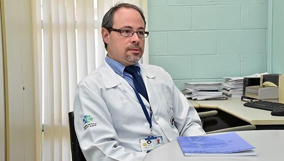 Celso Garcia Júnior, autor da tese e coordenador do Grupo Multidisciplinar de Assistência e Estudos em Transtornos Alimentares