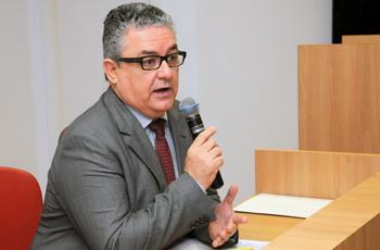 Guilherme Cecatti coordena o workshop conjunto