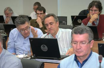 José Geraldo (centro), diretor da FT