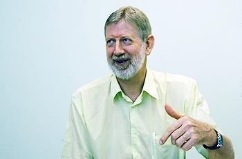 O professor titular Jacobus Swart