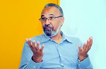 Professor Oswaldo Alves