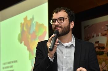 Caio Dib, fundador da empresa Caindo no Brasil