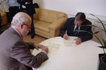 Tadeu Jorge e Andreollo assinam termo de posse