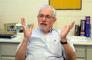 O professor José Camilo Novello
