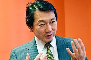 Professor Toru Sato, da Universidade de Tóquio