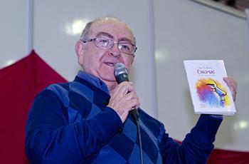 O professor Regis de Morais