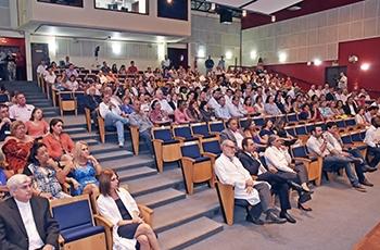 Público no auditório da FCM