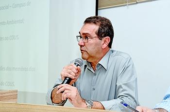 Alvaro Crósta dá início à reunião do COUS