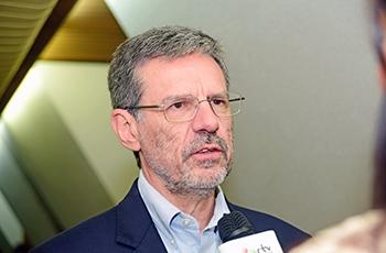 O reitor Carlos Henrique de Brito Cruz (2002-2005)