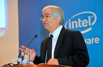 Reitor Fernando Costa