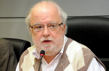 O reitor José Tadeu Jorge