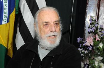 O professor Gilberto Domont
