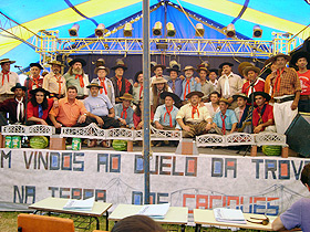 Encontro de trovadores no Rio Grande do Sul: manifestação cultural popular tem como principal característica o improviso (Foto: Divulgação)