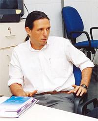Nelson F. de Barros é sociólogo e professor do Departamento de Medicina Preventiva e Social da Faculdade de Ciências Médicas da Unicamp