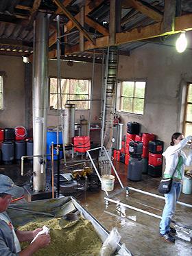 nterior de destilaria no município paulista de Angatuba (Foto: Divulgação)