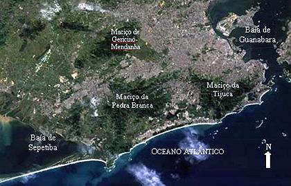 Imagens de satélite do Rio de Janeiro e os pontos críticos apontados pelos pesquisadores; na imagem maior, mancha urbana da cidade de São Paulo: mudanças tendem a se intensificar (Foto: Reprodução)