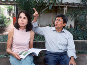 A geoquímica Fernanda Cunha e seu orientador, o professor Bernardino Figueiredo: altas concentrações de chumbo