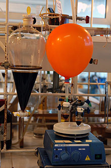 Equipamentos usados nas pesquisas: ensaios biológicos vão prosseguir (Foto: Antoninho Perri)