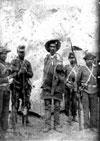 Soldados e um conselheirista preso.