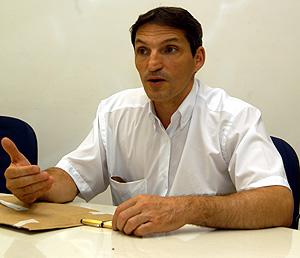 O gastrocirurgião Élinton Adami Chaim: programa reduz bastante o risco de complicações pós-operatórias