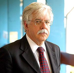 "O filósofo Roberto Romano: ""Os intelectuais do PT aceitaram limites"" (Antoninho Perri)"